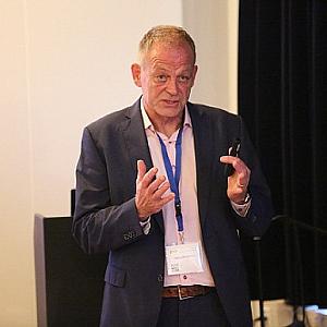Dr. M. Braakman