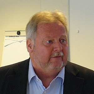 Dr. X.M.H. Moonen