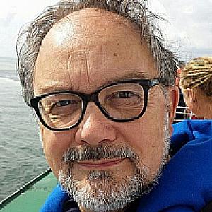 Drs. R. Emmen