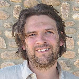 R. van Hennik